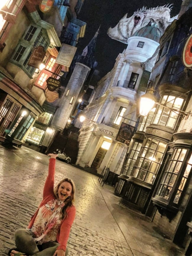 Reflections from the Road - Diagon Alley, Wizarding World of Harry Potter-min