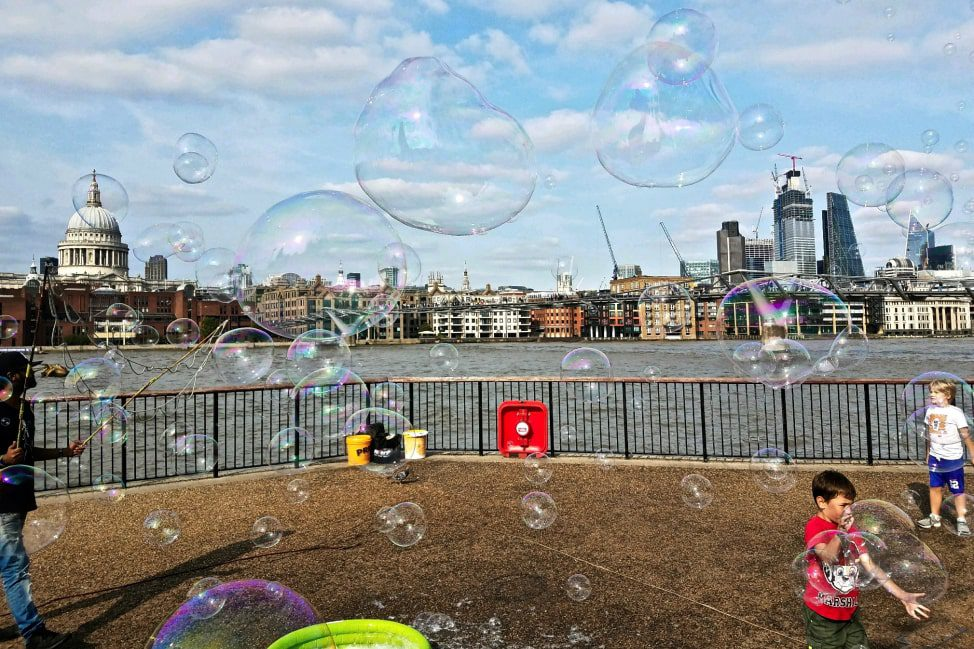 5 Ways to Have a Whirlwind Adventure in London thumbnail