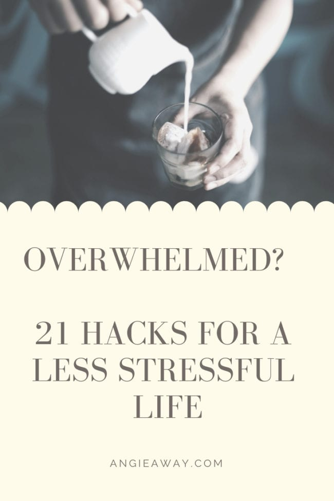 How do you deal with stress at work, at school or in everyday life? I'm sharing 21 tips on how to make a less stressful life.