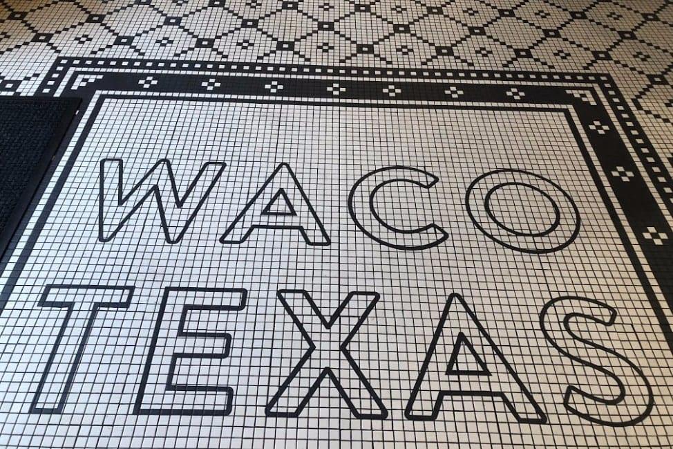 Waco Texas - Magnolia Table